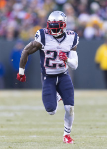 Nov 30, 2014; Green Bay, WI, USA; New England Patriots cornerback Kyle Arrington (25) during the game against the Green Bay Packers at Lambeau Field. Green Bay won 26-21. Mandatory Credit: Jeff Hanisch-USA TODAY Sports
