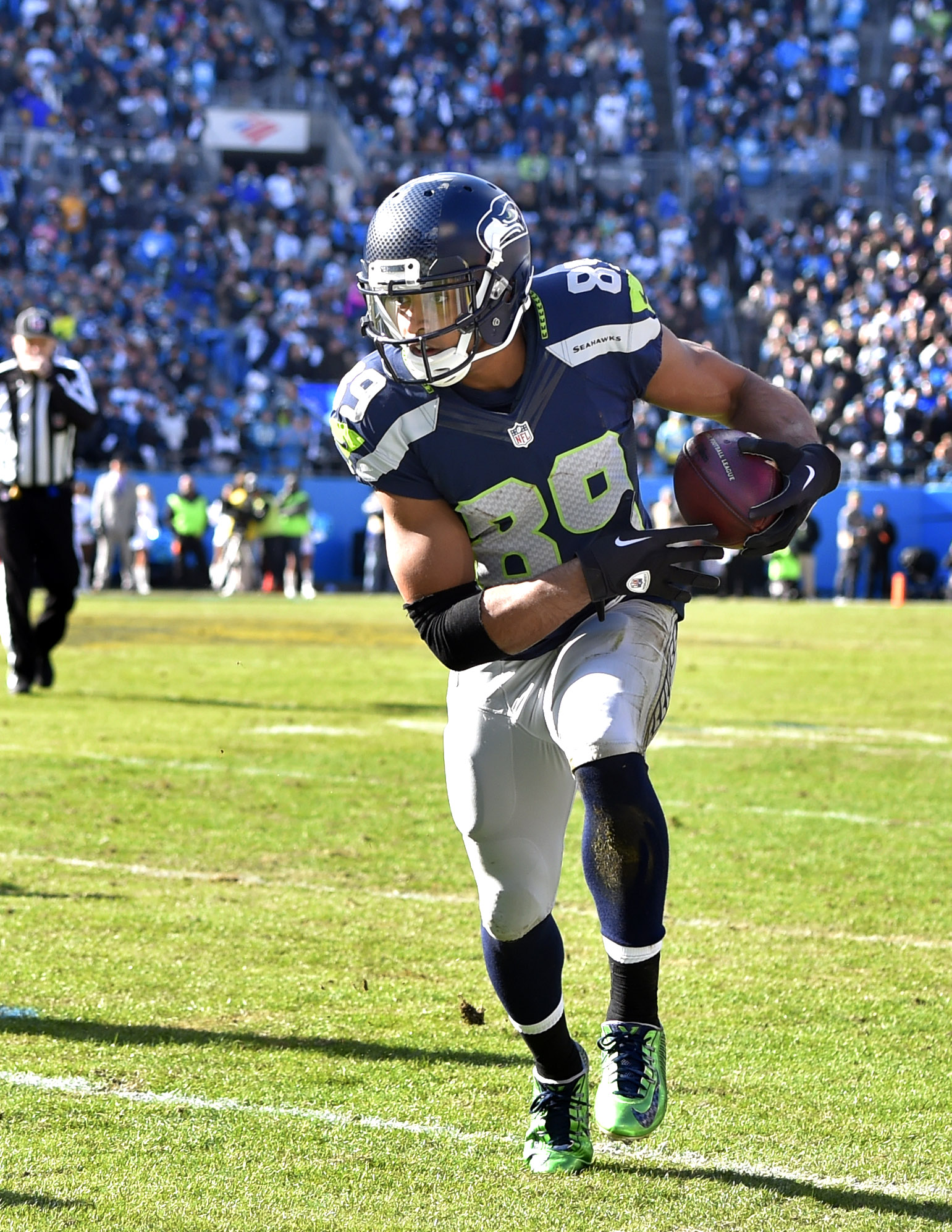 Seahawks WR Doug Baldwin Suffered Partial MCL Tear d2059f41e