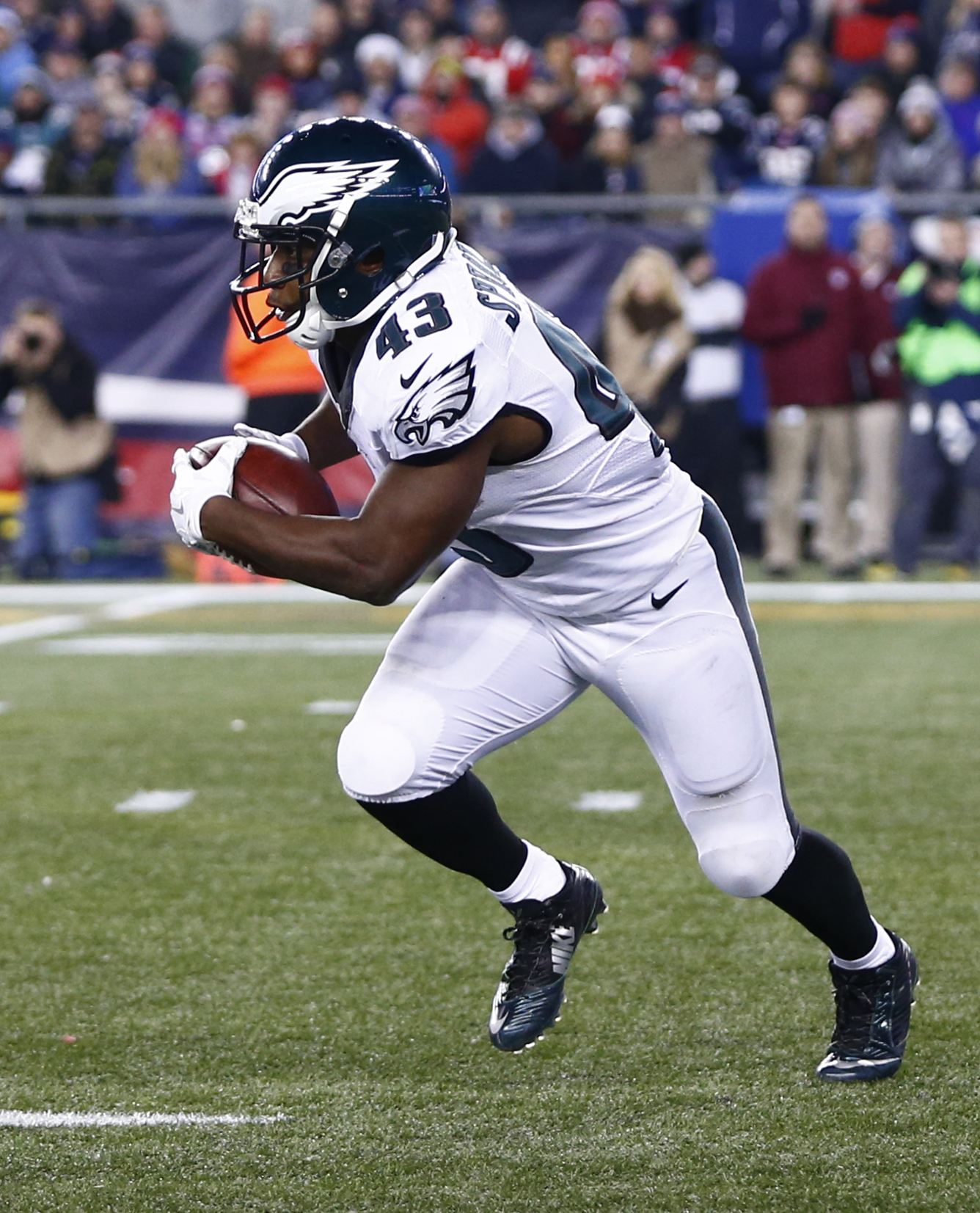 ecc7eedecef During an appearance on 97.5 The Fanatic, ESPN's Adam Schefter said Sproles  would be willing to wait for the right offer, even if it comes during the  latter ...