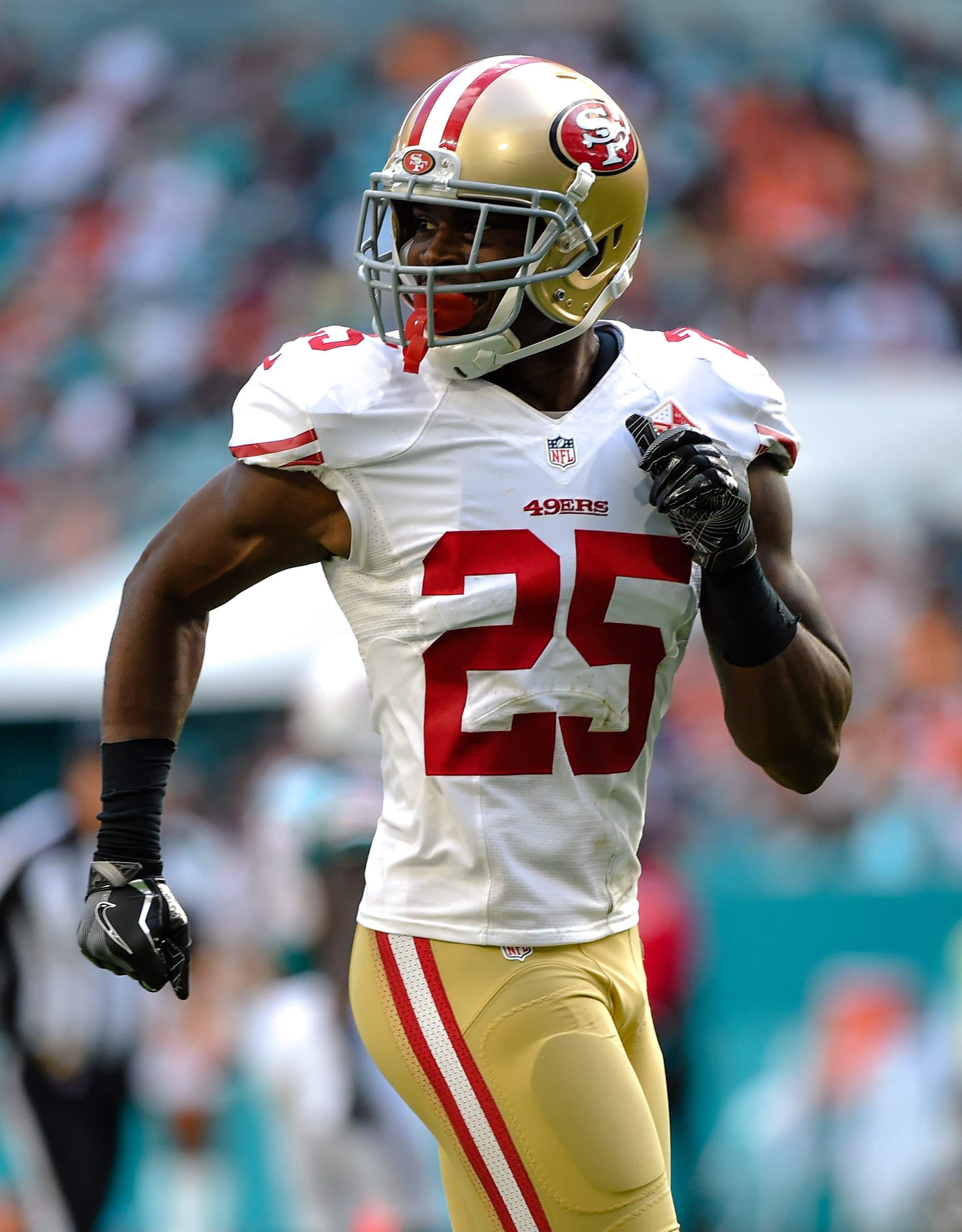 c5fc3d27f 49ers DB Jimmie Ward Done For Season