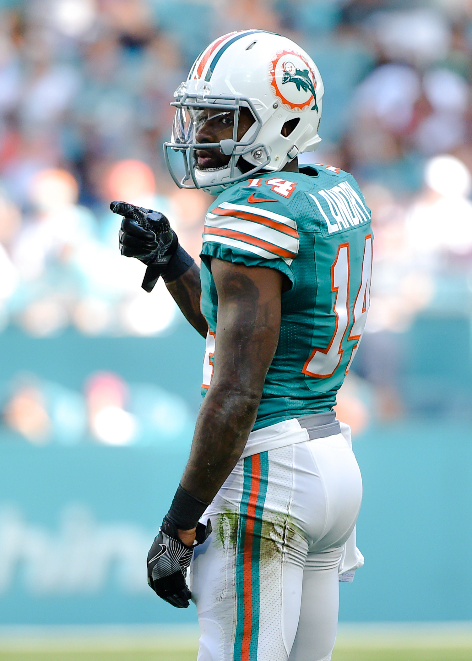 Extend To Jarvis Landry Dolphins Plan|New England Patriots: Breaking News, Rumors & Highlights