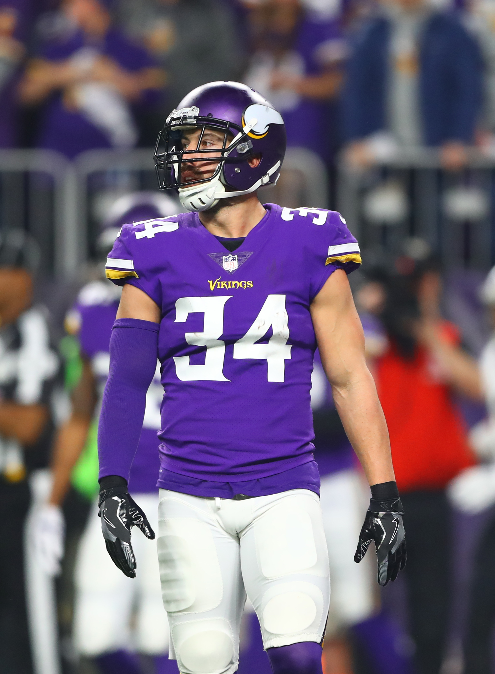 separation shoes 37045 69bcf Vikings To Decline Andrew Sendejo's Option
