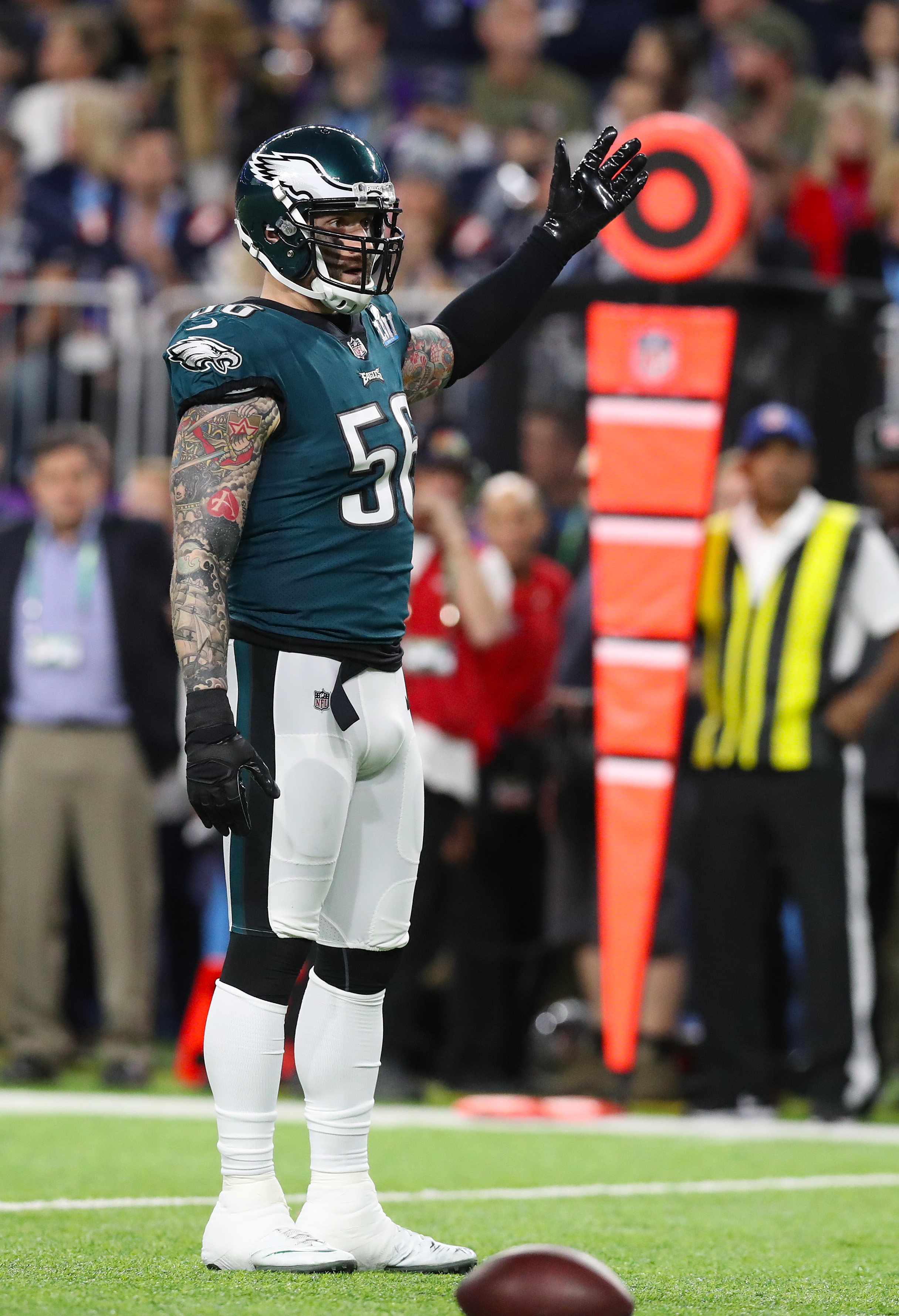 Eagles DE Chris Long To Play In 2018