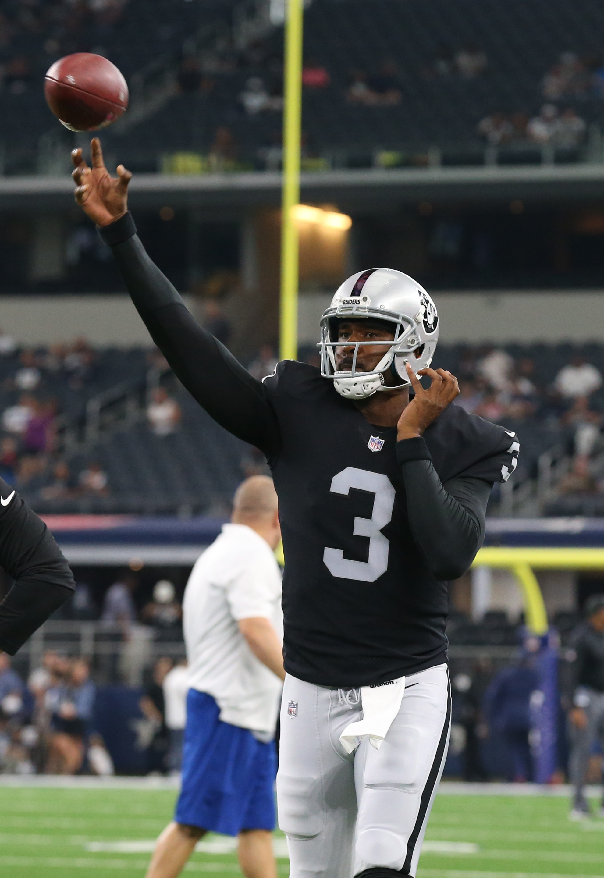 d31346d64 Could Raiders Acquire Veteran QB