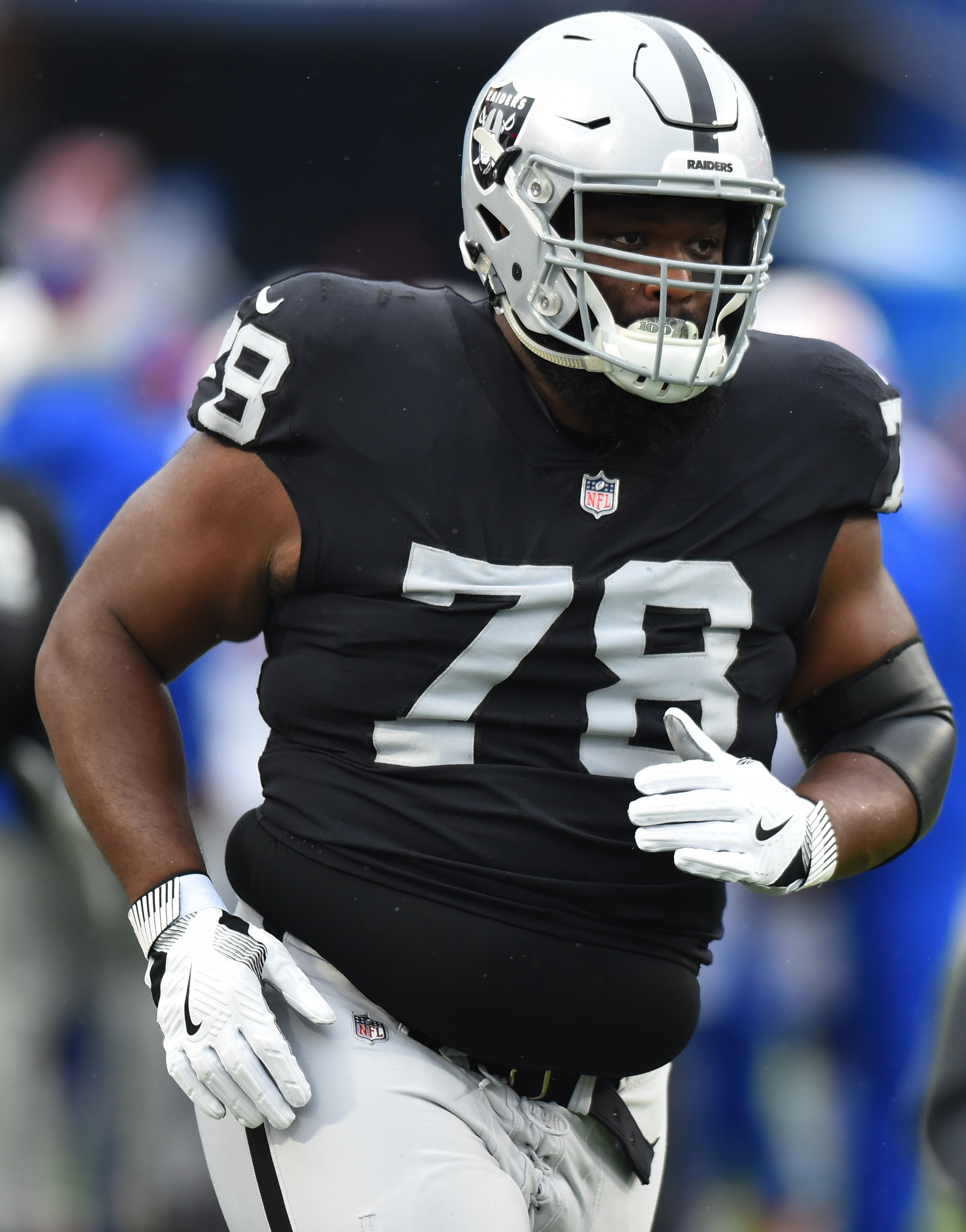 a750104c15c Raiders defensive tackle Justin Ellis has agreed to terms on a three-year  deal worth more than  15MM