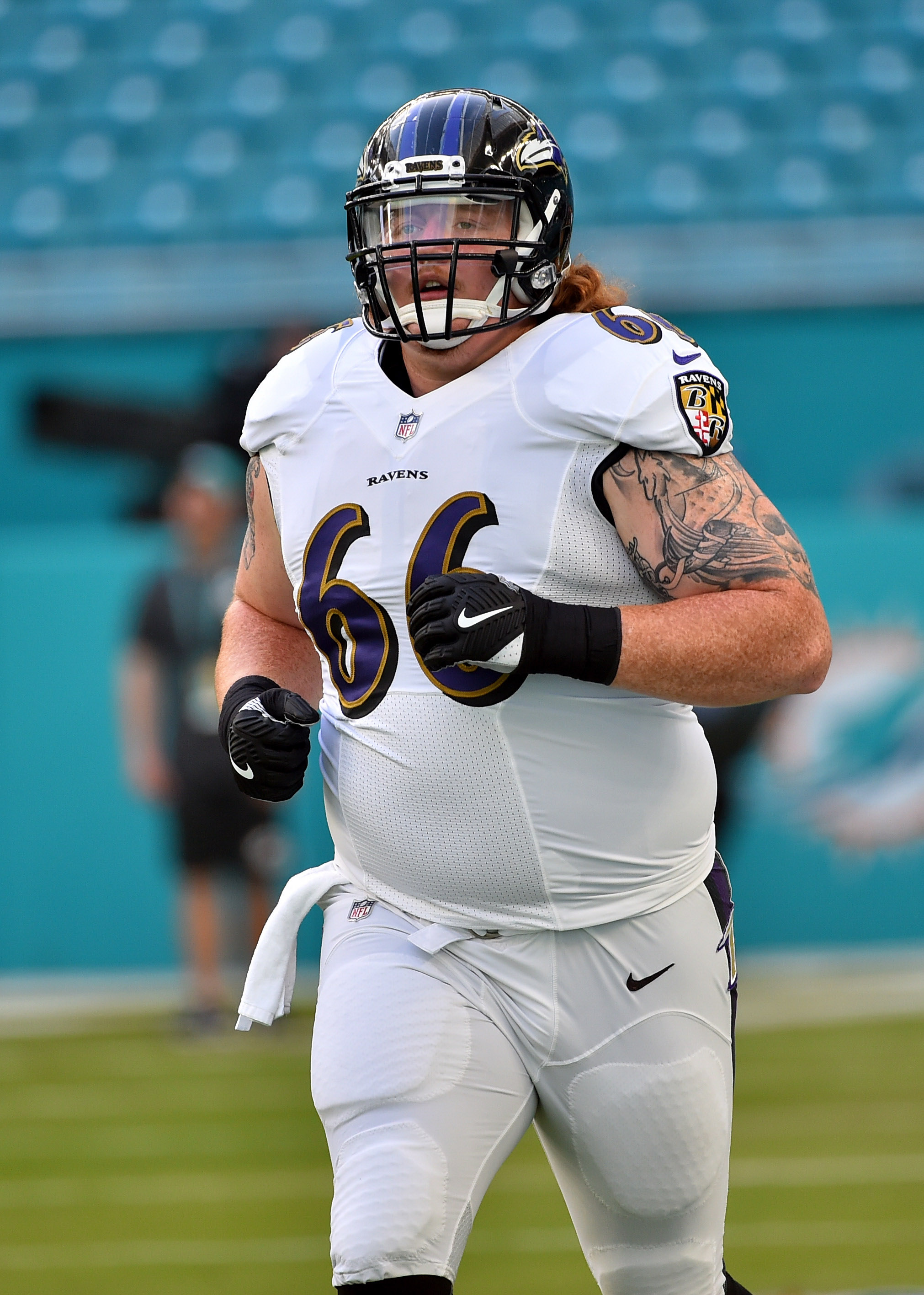 7575f5556 Ravens free agent center Ryan Jensen will visit Buccaneers and then the  Colts