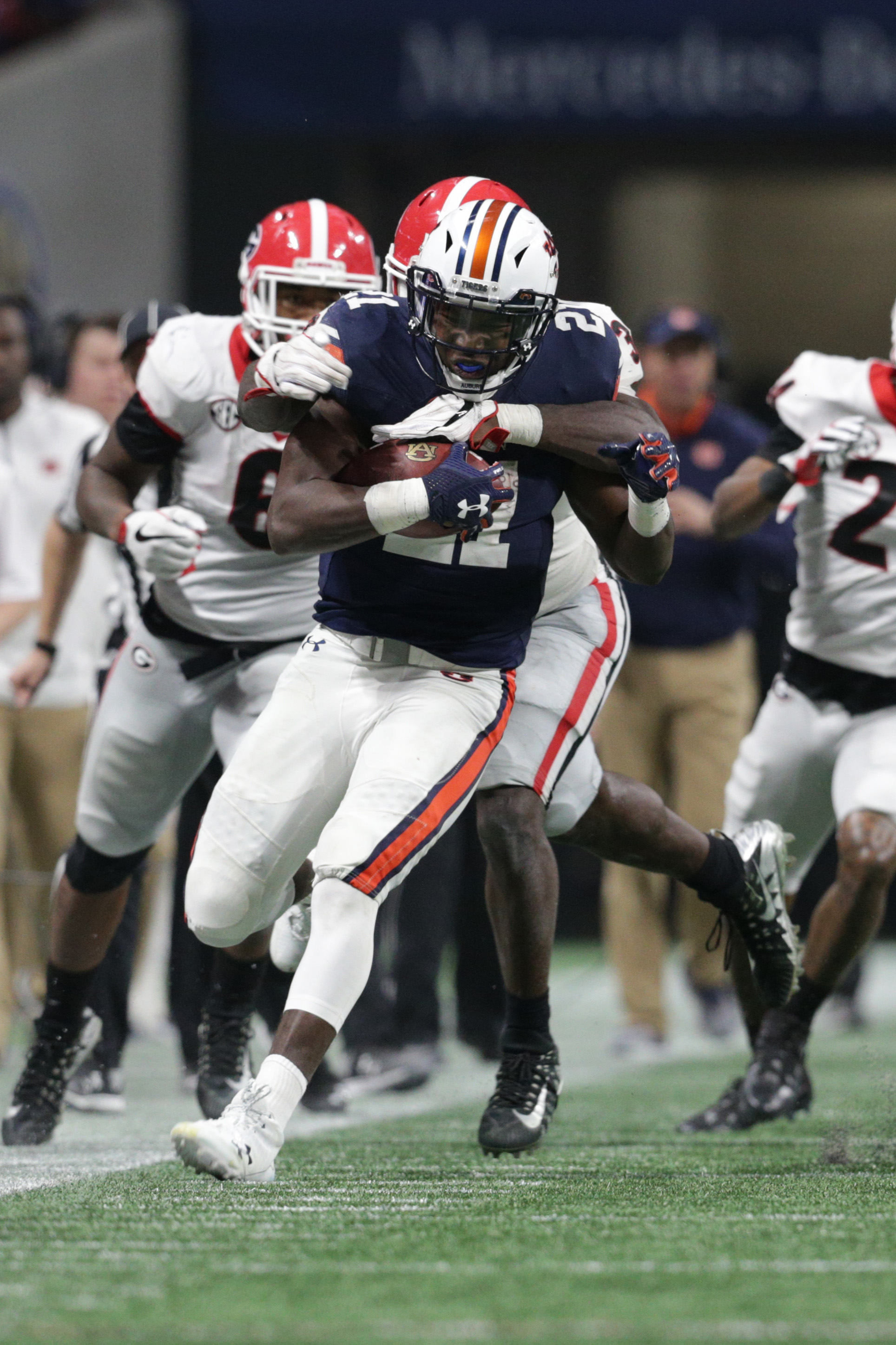 Kerryon Johnson is officially a member of the Lions. On Friday 1eaae26be