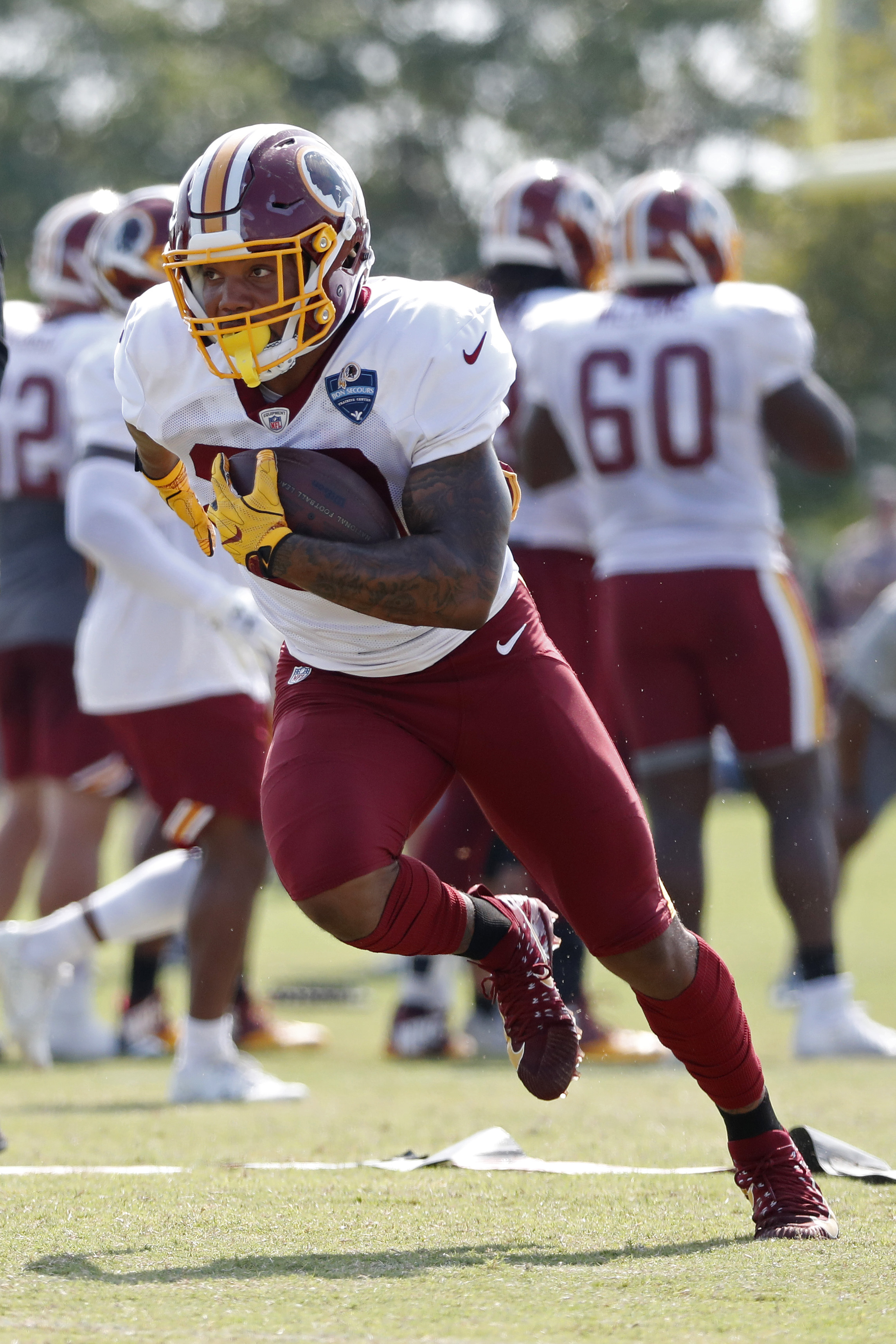 209345983 There could be an issue in D.C. Running back Derrius Guice s rehab from a  torn ACL has been delayed by an infection in his leg (via Kareem Copeland  of the ...