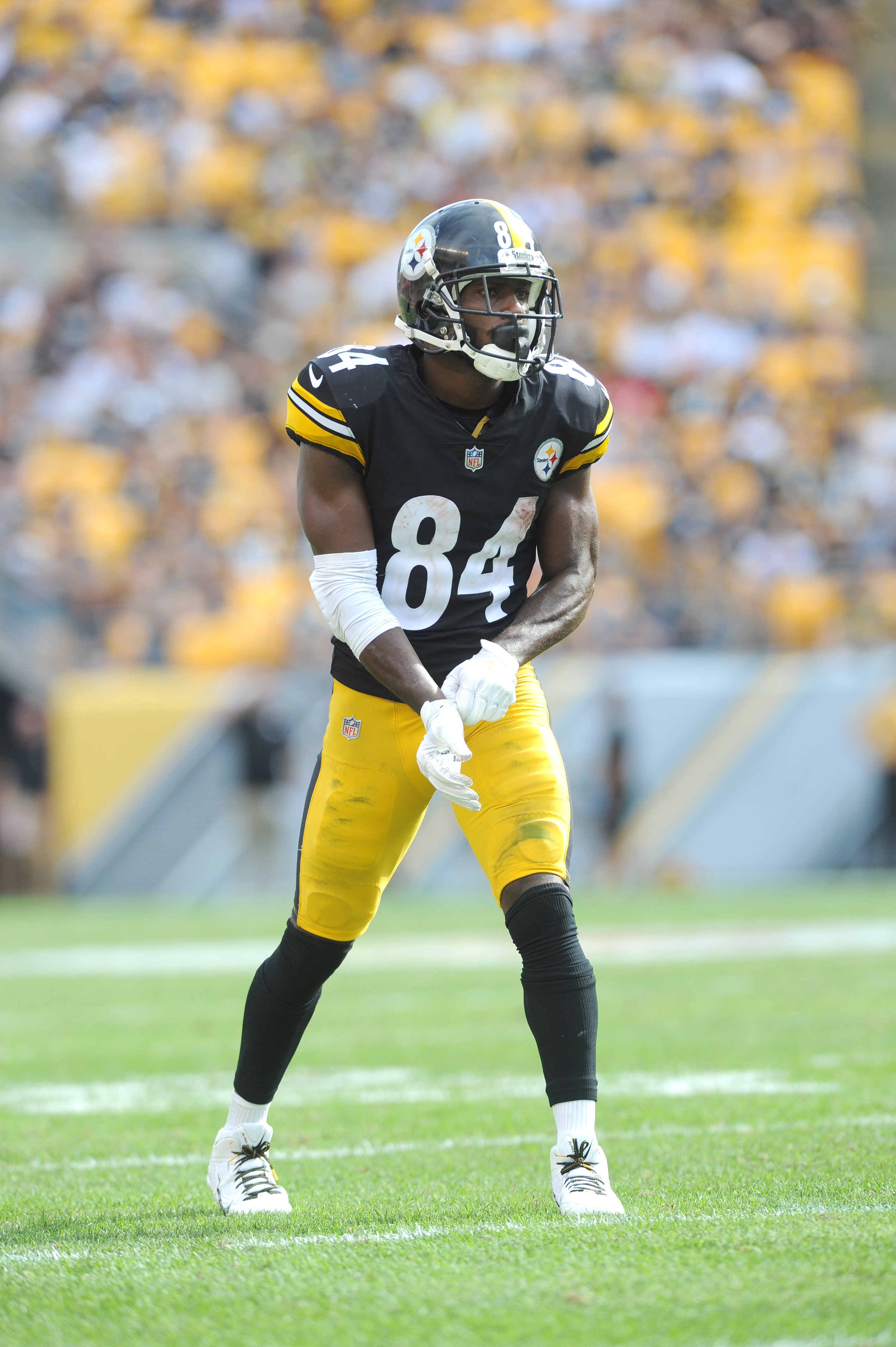 Bills Steelers Won T Complete Antonio Brown Trade