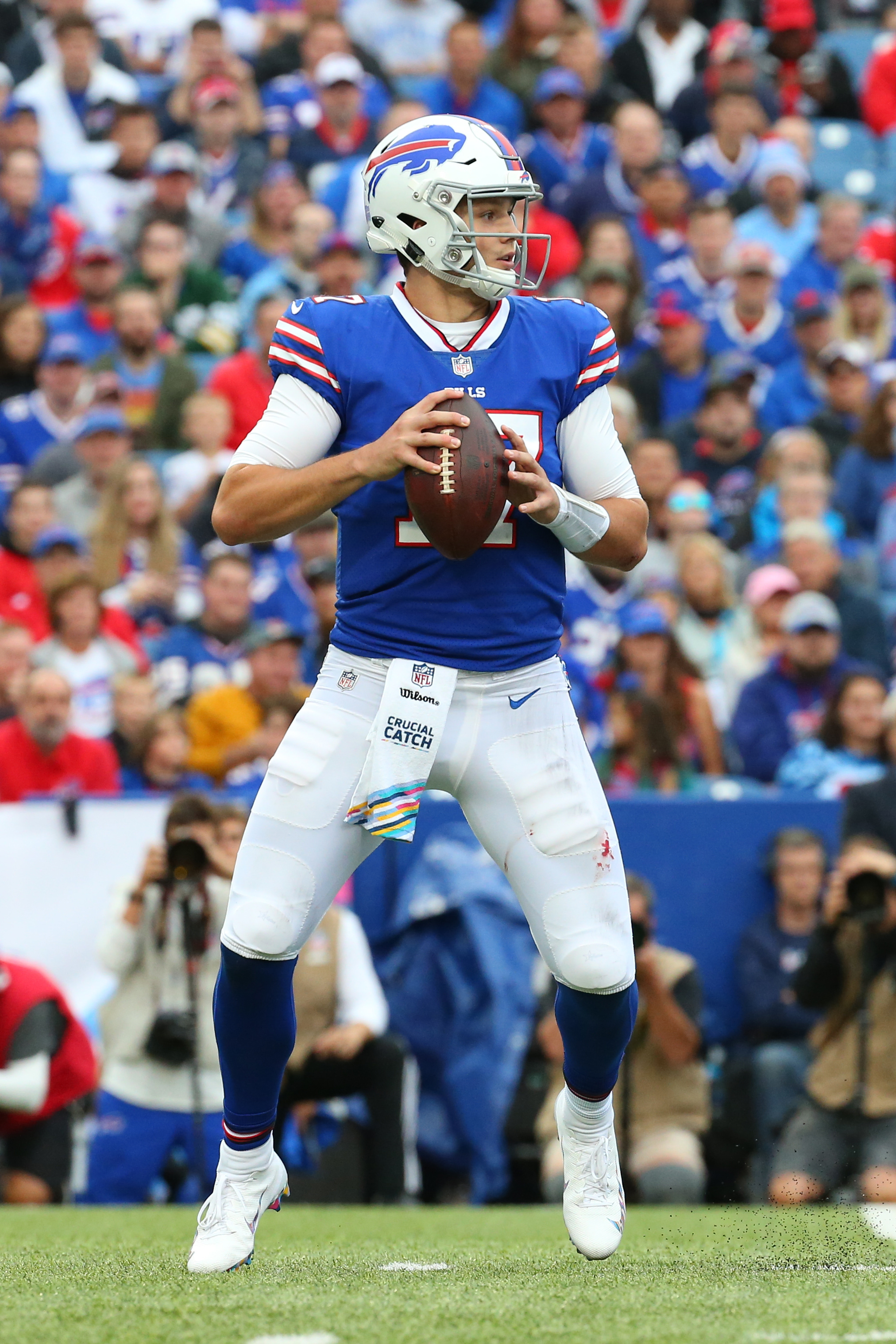 6da903b1b17 Bills quarterback Josh Allen missed four games while dealing with an elbow  injury
