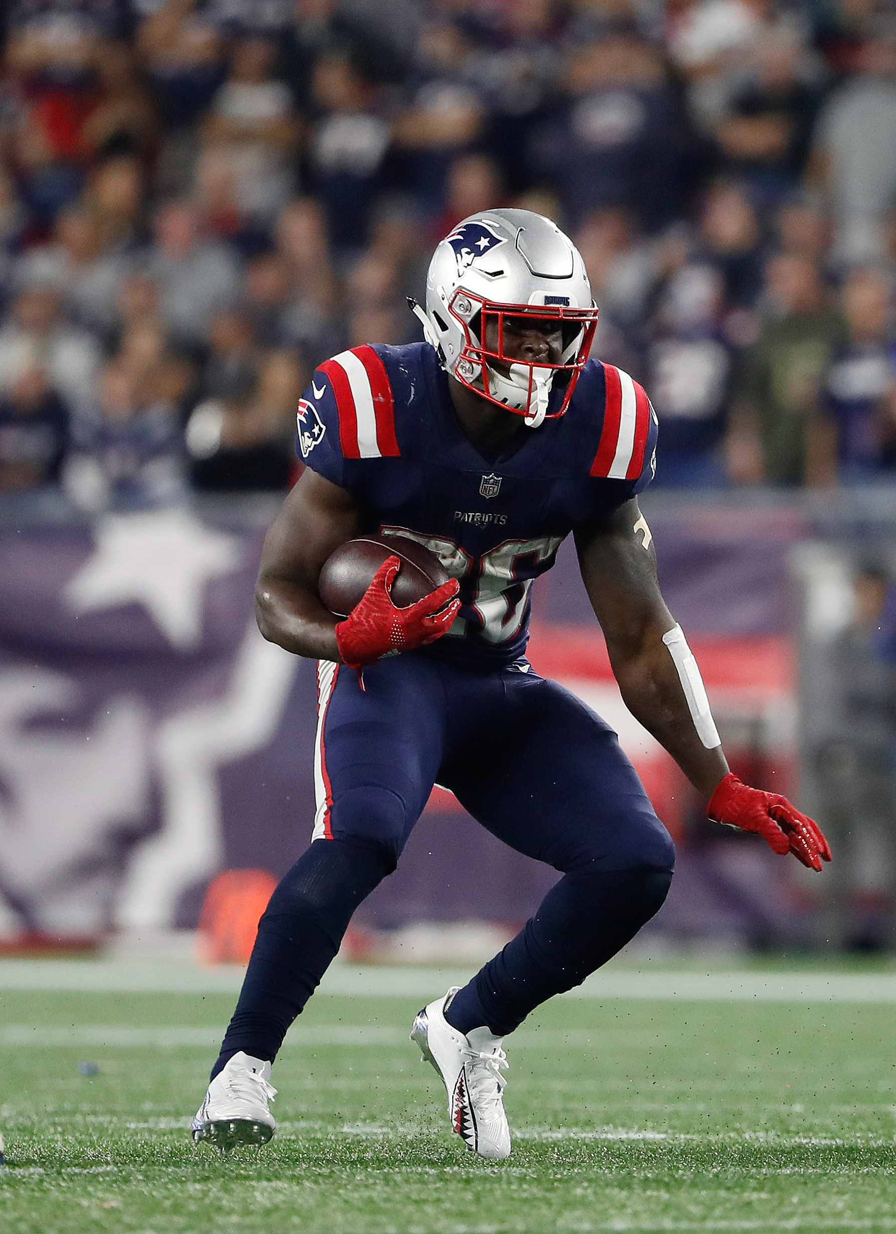 b3c8c174 Patriots RB Sony Michel's Knee Injury Not Expected To Be Season-Ending