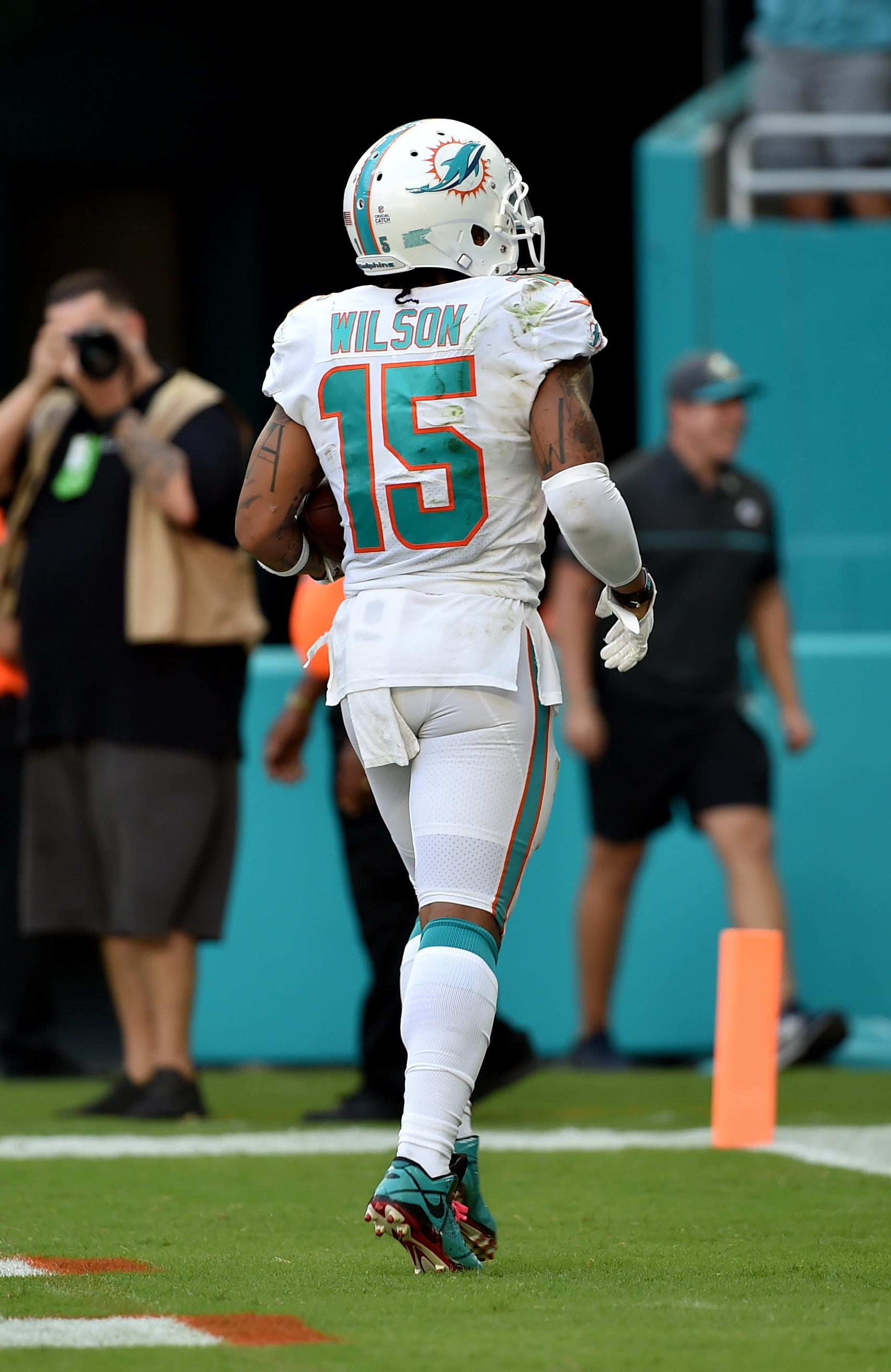 huge discount 40584 979e6 Dolphins WR Albert Wilson Returns To Practice