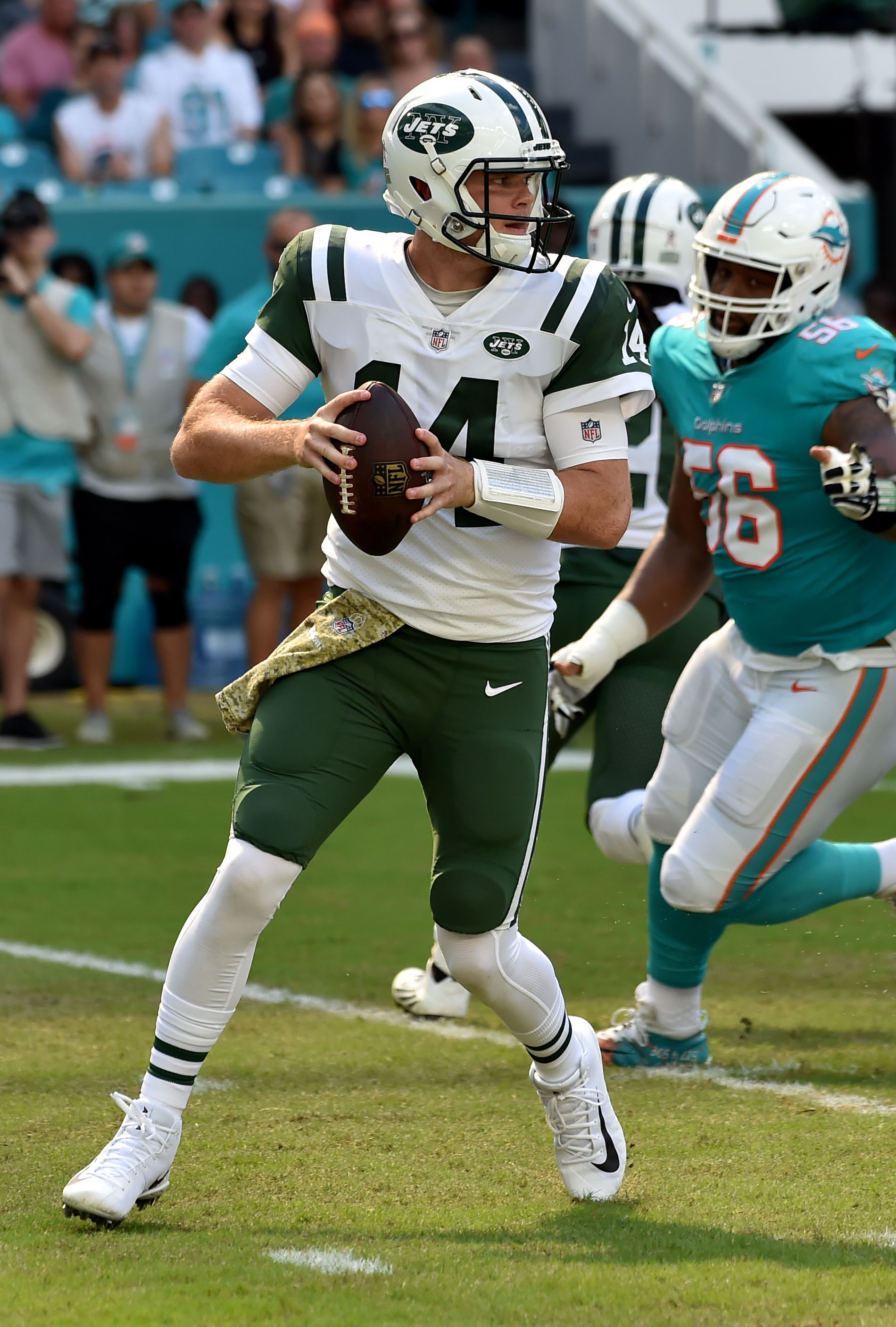 Jets Qb Sam Darnold To Miss Time