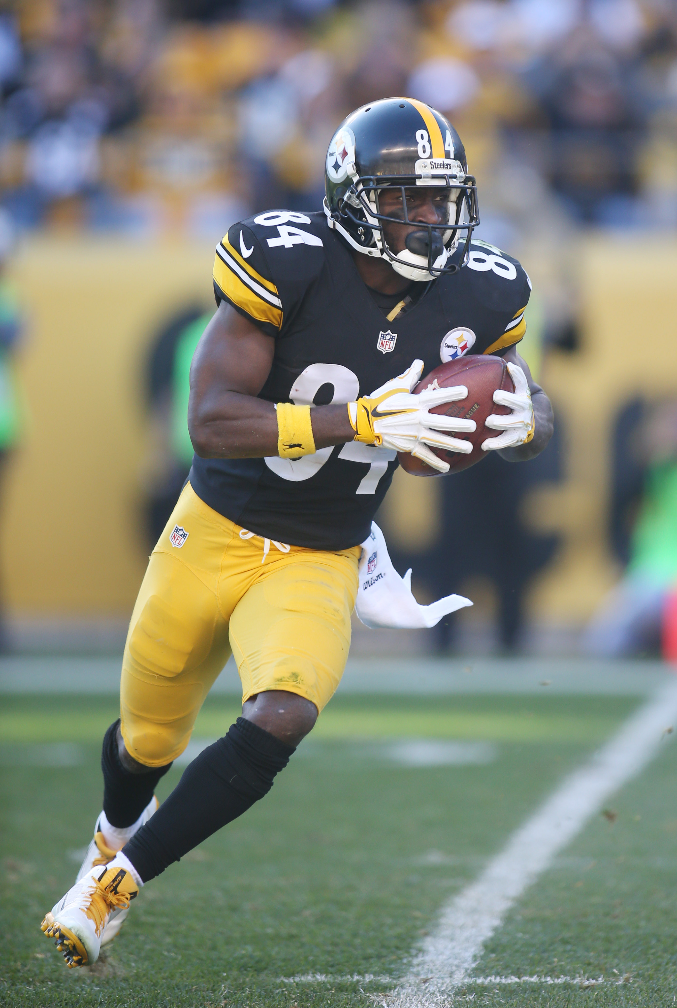 Steelers Close On A Deal To Trade Antonio Brown Three Teams