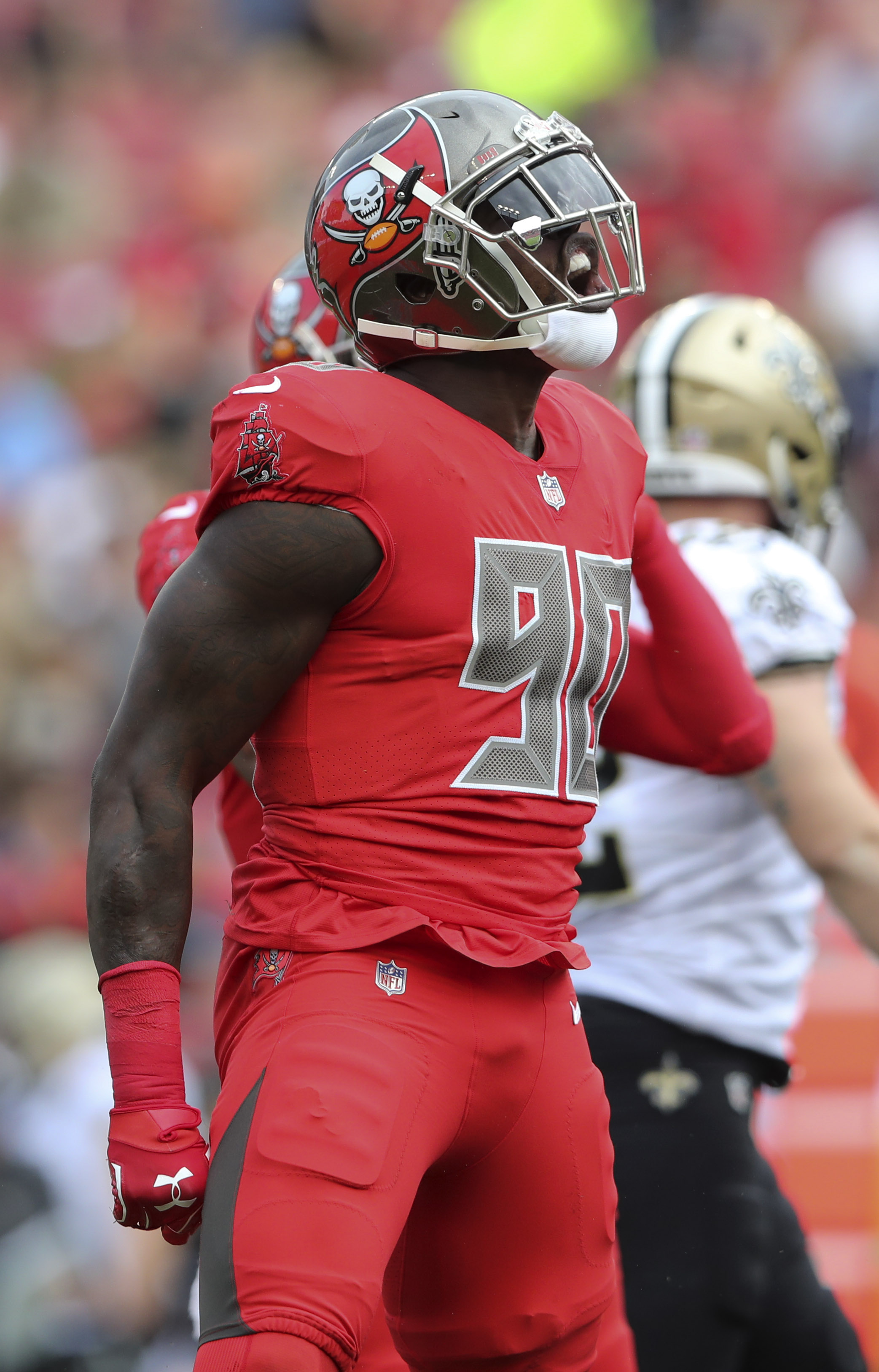 newest e52ab 7ff1f Bucs' Jason Pierre-Paul Involved In Car Accident