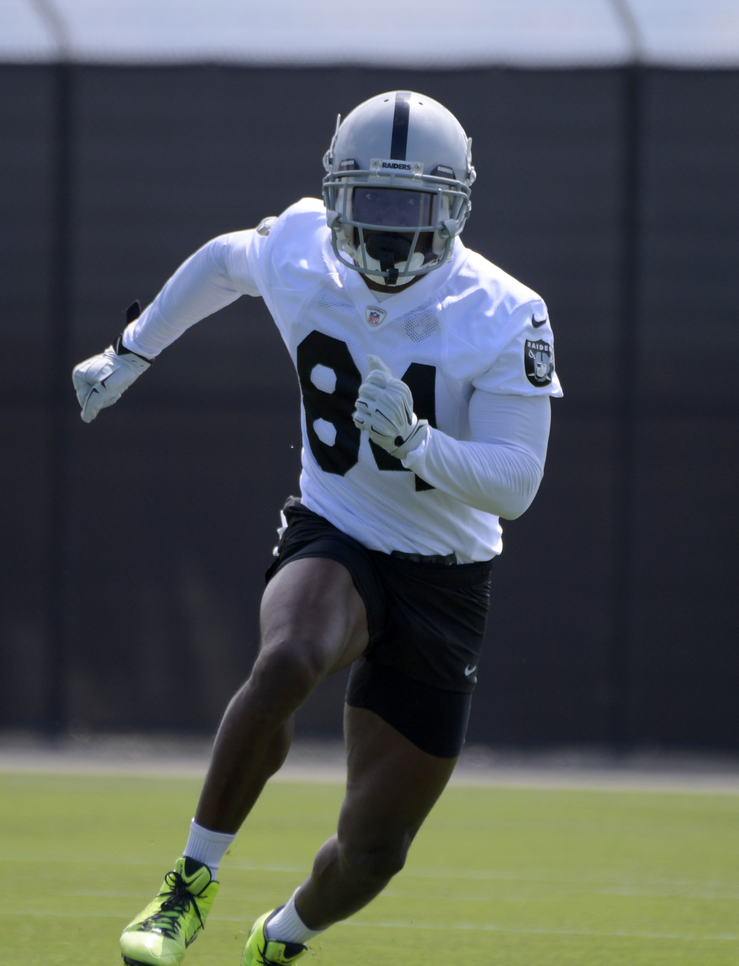 the best attitude b06de a4df2 Antonio Brown To Raiders: